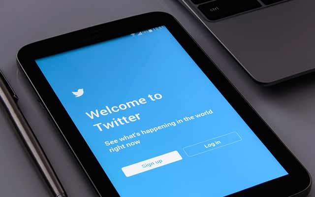 Start to tweet: Twitter for dummies